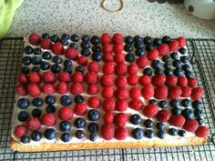 tart, #Jubilee, via bakingbar.co.uk/, berries, red white & blue, odg!!!!!!!! were doing this for our bbc party!!!
