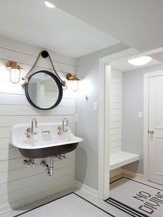 Inspiration for poolhouse washroom