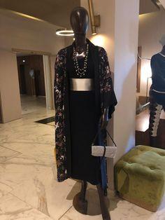 Le concept store %ax&Jan présente le meilleur de la mode et du style occasionnel. . . . #Max&Jan #Conceptstore #Marrakech #Fashion #Casual Ethnic Fashion, Stores, Marrakech, Kimono Top, African, Unique, Casual, Collection, Fashion Styles