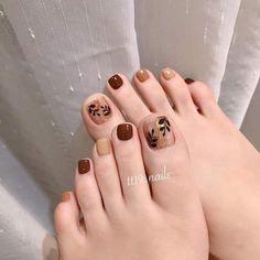 Simple Toe Nails, Cute Toe Nails, Pretty Nails, Pedicure Nail Art, Toe Nail Art, May Nails, Hair And Nails, Feet Nail Design, Nail Tip Designs