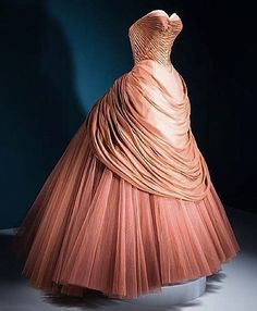 """Swan"" dress, by Charles James, 1951. LACMA"