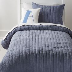Navy Scallop Kids Bedding at Crate and Barrel Canada. Discover unique furniture and decor from across the globe to create a look you love. Teen Boy Bedding, Boys Bedding Sets, Kids Bed Linen, Beige Bed Linen, Linen Duvet, Yellow Bedding, Grey Bedding, Luxury Bedding, Comforter