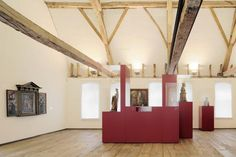 Exhibition Design: 800 years of Crosiers / HMGB Architects