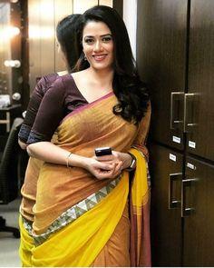 That Beautiful Actress GirijaOak Beautiful Girl Indian, Most Beautiful Indian Actress, Beautiful Girl Image, Beautiful Saree, Beautiful Women, Cute Beauty, Beauty Full Girl, Beauty Women, Beauty Girls