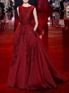 """Look 3"" from Elie Saab's Haute Couture collection for Fall 2013 / Winter 2014 (© 2013)"