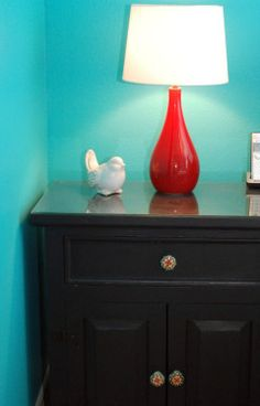 DIY Ideas: 14 Home Improvement Projects That Cost Under $10.  #Besthomeimprovementideas #homeimprovementtips #diyhomeimprovementprojects