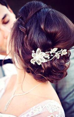 Bride's messy bun chignon bridal hair ideas Toni Kami Wedding Hairstyles ♥ ❶