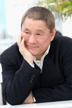 北野武さんの言葉には、厳しさの裏に深い優しさが隠されているんです。北野武さんの物事の本質を見抜いた名言集をご紹介します。