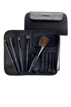 Travel Makeup Brush Kit. Better than tossed in with all the other make-up stuff