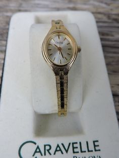 Caravelle Bulova Quartz Ladies Wrist Watch Second Hand Dial Fashion Wrist Watch Gold Colored Metal Strap Collectible Watch Japan Movement