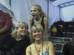 taylorswiftrares: Taylor Swift, Andrea & Andrea's... - Hi, My Name is Julia.