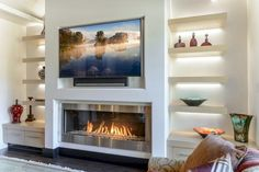 Best Traditional and Modern Fireplace Design Ideas Photos & Pictures Simple is the new bold. See elegant contemporary gas fireplaces installed in modern homes. Home Fireplace, Fireplace Remodel, Living Room With Fireplace, Fireplace Surrounds, Fireplace Design, Linear Fireplace, Gas Fireplaces, Modern Fireplaces, Small Fireplace
