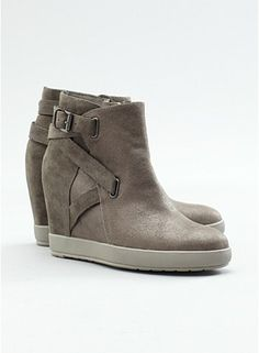 Zest Wedge Bootie in Italian Oiled Leather and Suede
