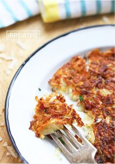 Low Carb Celeriac, Bacon & Parmesan Rosti celeriac, bacon, and parmesan low carb Rosti recipe from I Breathe Im Hungry - perfect for breakfast or dinner! Keto Foods, Ketogenic Recipes, Low Carb Recipes, Cooking Recipes, Healthy Recipes, Vitamix Recipes, Low Carb Side Dishes, Side Dish Recipes, Vegetable Recipes