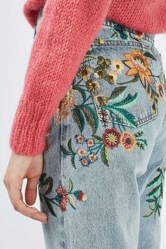 MOTO Fall Floral Embroidered Mom Jeans