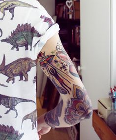 I also really like the dinosaur shirt The tattoos cool! I also really like the dinosaur shirt Dinosaur Tattoos, Dinosaur Shirt, Alien Tattoo, Tumblr Outfits, Future Tattoos, Tattoos For Guys, Tattooed Guys, Elbow Tattoos, Oldschool