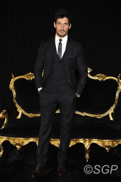 "David en primera fila en el ""men fashion show"" Milan - David Gandy, Front Row at the 2013 Mens Fashion Show, Milan."