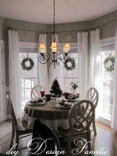Diy Design Fanatic Christmas In The Breakfast Room