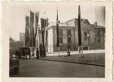 Plac Szczepański Krakow Poland, Planet Earth, Old Photos, Planets, Street View, City, Vintage, Historia, Fotografia
