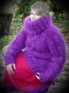 Mohair Sweater, Turtleneck, Gros Pull Mohair, Red T, Angora, Sweater Outfits, Hand Knitting, Graphic Sweatshirt, Pullover