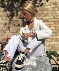 10 Looks Vans Old Skool Look Vans Looks Com Vans Looks Com Vans preto Looks Vans Old Skool van Vans Old Skool vans preto e branco Look Fashion, Fashion Beauty, Fashion Outfits, Womens Fashion, Fashion Trends, Fashion Clothes, Looks Street Style, Looks Style, Casual Outfits