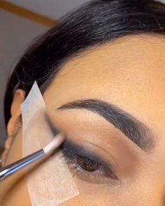 Black Smokey Eye Makeup, Sexy Smokey Eye, Sexy Eye Makeup, Makeup Eye Looks, Smokey Eye For Brown Eyes, Eye Makeup Steps, Eye Makeup Art, Colorful Eye Makeup, Dark Makeup