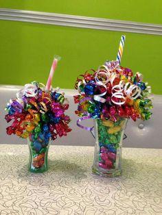 Candy Boquets, Candy Bouquet Diy, Gift Bouquet, Candy Arrangements, Candy Centerpieces, Quinceanera Centerpieces, Wedding Centerpieces, My Funny Valentine, Valentine Gifts