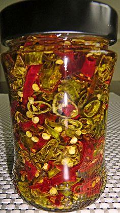 In Öl eingelegte Peperoni, ein tolles Rezept aus der Kategorie Haltbarmachen. Bewertungen: 2. Durchschnitt: Ø 3,8.