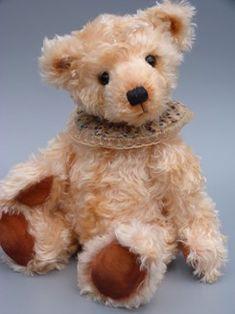 Bearsonalities by Anke Komorowski_in BearsandBuds Online Teddy Bear Magazine