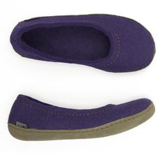 Cute, comfy, flirty. You new favourite slipper! Glerups Ballerinas available in Red, Purple, Blue or Black!