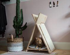 Schöne Katzenmöbel sind eine Rarität. Bau dir ganz einfach selber dieses coole Katzentipi mit Kratzmöglichkeit.