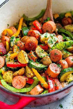 Healthy Sausage and Veggies One-Pot This one-pot sausage and veggies is a down home, healthy, inexpensive, and delicious meal that you'll love to make again and again. Baby potatoes are quickly stir fried then paired with savor… Sausage And Vegetable Recipe, Healthy Sausage Recipes, Healthy One Pot Meals, Easy To Cook Meals, Healthy Cheap Recipes, Sausage Dinner Recipes, Healthy Delicious Recipes, Kilbasa Sausage Recipes, Inexpensive Healthy Meals