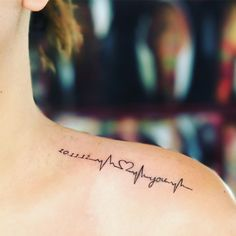 Tatuagens de batimentos cardíacos é uma forma de expressar o sentimento por alguém ou por algo muito significativo marcando na pele. Veja fotos e dicas.