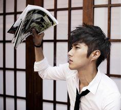 Latest Trendy Asian & Korean Hairstyles For Men 2014