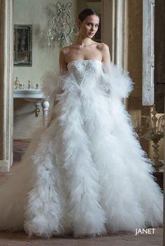 Peter Langner Janet (L'Atelier Bridal Couture) - Brautkleider Wedding Dress Trends, Bridal Wedding Dresses, Dream Wedding Dresses, Bridal Style, Estilo Gossip Girl, Evening Dresses, Prom Dresses, Bridal Fashion Week, Beautiful Gowns