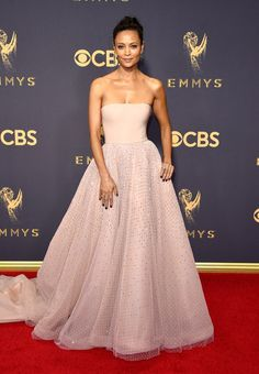 Best Red Carpet Looks From Emmy Awards 2017 - Celebrity Emmy Dresses Source by imageconsllc dress celebrity Pink Prom Dresses, Backless Prom Dresses, Dresses For Teens, Strapless Dress Formal, Formal Dresses, Club Dresses, Popular Dresses, Elegant Dresses, Party Dresses