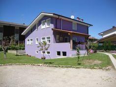 il B&B Milù è a #Bussolengo (VR), in una posizione centrale e strategica per visitare Verona, il lago di #Garda (#Gardaland, Caneva world, Movie land, Sirmione), il #Parco zoo #Natura Viva, il Parco termale Aquardens, il Centro Verona Village (spiaggia tropicale indoor e divertimenti), il Flover garden center.    Presente su www.BedAndBreakfastItalia.com #BnBItalia #BnBVeneto #BnB #BedAndBreakfast #BeB #BeBItalia #BeBVeneto