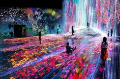 This a brand new, never-before-seen world from both Mori Building and teamLAb that lets you create new experiences together with other visitors and explore a new world made of borderless art using your body.