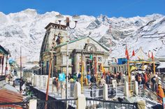 Kedarnath Mandir is a Hindu temple dedicated to Lord Shiva. The distance between Kedarnath to Delhi(capital of india) is 295 km & keda. Toyota, India Travel Guide, Haridwar, Bhakti Yoga, Helicopter Tour, North India, India Tour, Hindu Temple, Vacation Trips