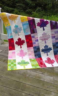 Happy Canada Day everyone. By the time we went to the cottage on Saturday, I had of this sweet quilt machine quilted. It& called Oh,. Flag Quilt, Patriotic Quilts, Quilt Blocks, Quilting Projects, Quilting Designs, Sewing Projects, Quilting Ideas, Sewing Ideas, Canadian Quilts