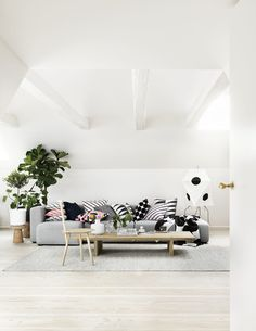 Great happy Marimekko - it's for a long time one of our favorite brands. And although Marimekko stands for a very colorful line-up Interior, Interior Inspiration, Trendy Living Rooms, Room Inspiration, Home Deco, Living Room Inspiration, Interior Design, Home And Living, Funky Home Decor
