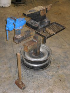 All in one Anvil / Vise work stand on a wheel rim