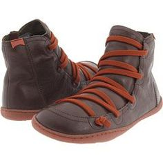 camper shoes. These look seriously comfortable!!!! Great lace detail too.