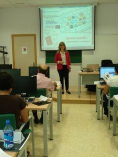 Avui amb els #empresaris i #emprenedors de #Tarragona hem vist a quines #XarxesSocials ens pot interessar tenir la nostre #empresa, #producte o #servei per augmentar el nostre #negoci   Ara cal definir objectius, dissenyar estratègies i tenir #ROI   #DIPTA #CeliaHil #Empreses #RRSS #SM #LinkedIn #Formació #Formación #Tarragonés #Reus #CatalunyaEmprèn  #DiputacióDeTarragona