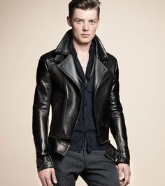 MEN'S MOTORCYCLE JACKET Make a sleek transition from season to season with this timeless lambskin leather 'Colwyn' jacket.