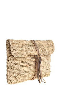 """B """"Bolso con trenza y borla - Braid Tassel Clutch"""", """" Leather braiding starts from magnetic clasp (inside) and wraps around. Also has long strap. Crochet Clutch, Crochet Handbags, Crochet Purses, Crochet Bags, Love Crochet, Knit Crochet, Crochet Ideas, Sacs Design, Basket Bag"""