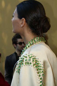 Giovanna Battaglia in Prada coat Couture Fashion, Diy Fashion, Fashion Beauty, Autumn Fashion, Giovanna Battaglia, Natural Accessories, Vogue, Fashion Details, Poppy Delevingne