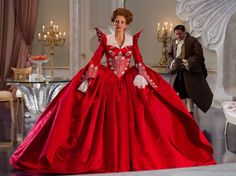 Google Image Result for http://cdn.sheknows.com/articles/2012/02/mirror-mirror-julia-roberts-red.JPG