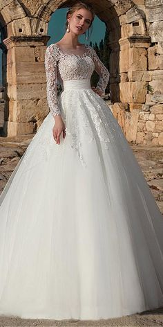 Modest Tulle Jewel Neckline A-line Wedding Dress With Beaded Lace Appliques