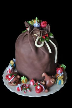 Panettone decorato; Christmas Cake; Sacco regali e orsetti natalizi.I like this cake. Please check out my website Thanks.  www.photopix.co.nz